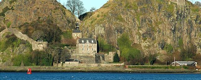Scotland_Dumbarton_Castle